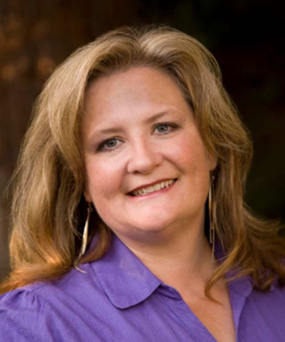 Julie Anderson working as a customer experience expert with the Jill Raff Group